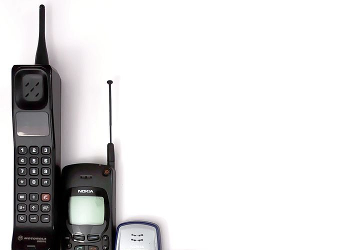 12 Creative Ways to Use Your Old Mobile Phone